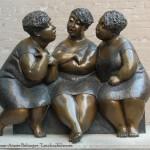 Moterų skulptura