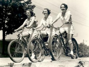 women-on-bicycles21