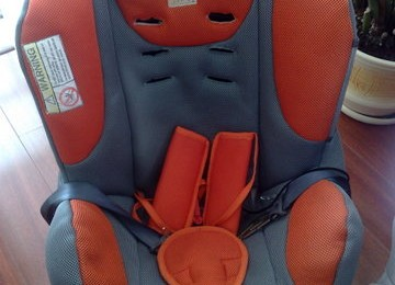 Parduodamos automobilinės kėdutės